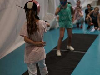 Τα παιδιά κάνουν ξιφασκία στο ΟΑΚΑ