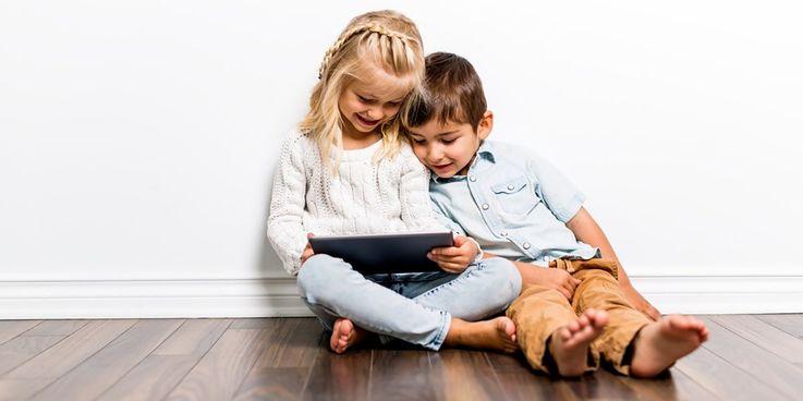 μεγάλος χρόνος έκθεσης των παιδιών στις οθόνες